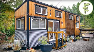 Spacious & Modern Tiny House with Clever Walk-Through Bathroom - Full Tour