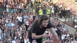 Little Black Dress - One Direction - OTRA - Brussels 13/06/2015