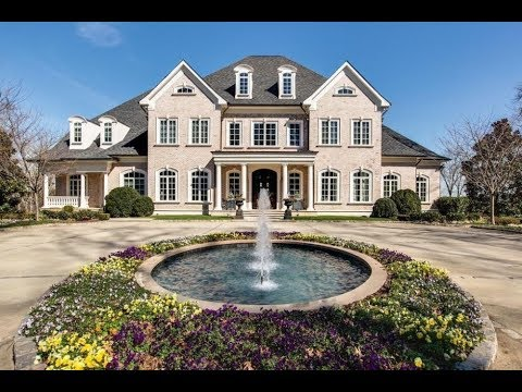 MY FRIEND NEVER TOLD ME SHE LIVED IN A MANSION?!?! 😱😳