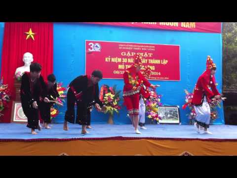 Múa dân tộc Dao