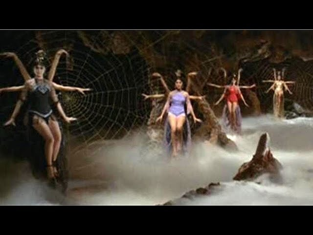 1967年的香港电影,全程都是大白腿,尺度大胆  满满的福利