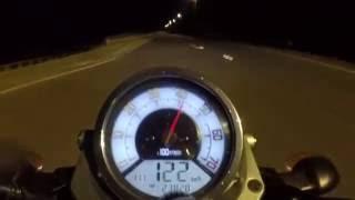 Yamaha MT 01 vs Suzuki SV650 Drag race