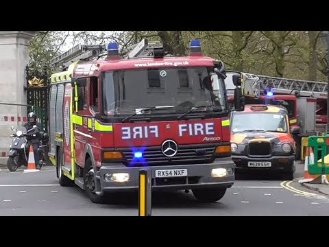 London Fire Brigade Soho - Pump ladder A242 + Turntable ladder A243 stuck in traffic