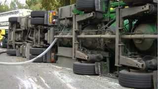 21-10 Chauffeur gekantelde bulkwagen aangehouden