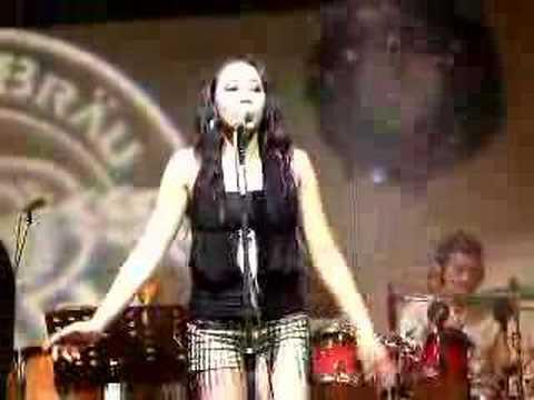 DREAMIE sings Iwill always love you LIVE @ Rosen Brau Korea