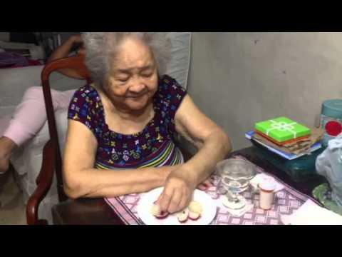 Anither job of Aling Luz: Taste tester