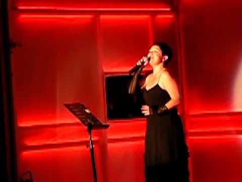 Victoria Tagouli LIVE Η Ζημιά και Hymne A L'amour(Piaf)