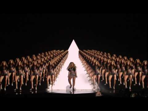 Beyoncé - Run The World (Girls) Live On Billboard Music Award 2011
