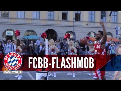 I HAVE A TEAM - Flashmob am Odeonsplatz München #FCBB