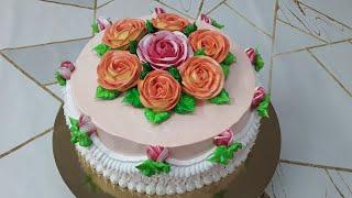 Шикарный торт с двухцветными розами