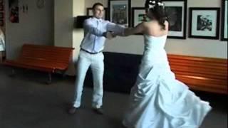 Зажигательный свадебный танец с сюрпризом!)))