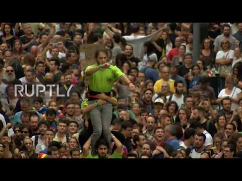 Spain: Massive pro-Catalan protest against Spanish government hits Barcelona