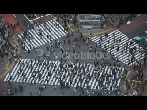 anonymous people pedestrian cross aerial view tokyo busy street shibuya crossing 4vftdneix