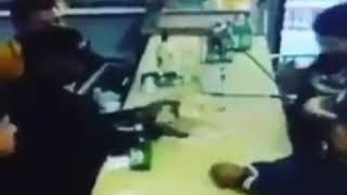 #ActivosNoticiasRD   VÍDEO: Higüey,R.D.-muestra supuestamente agentes de la DNCD se reparten el dine
