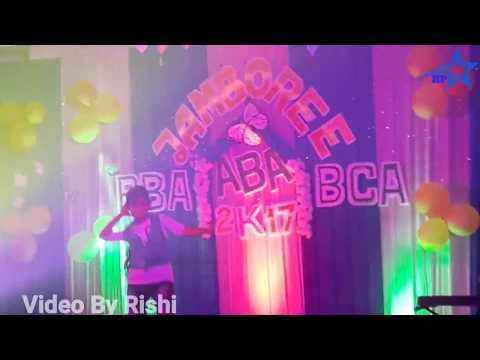 Tu chiz badi he mast mast dance by ABA college girl _2k17_