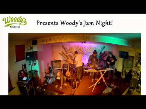 Woody Music and Sports Bar