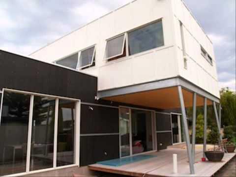บานหน้าต่าง pvc แบบบ้านทรงไทยประยุกต์สองชั้น