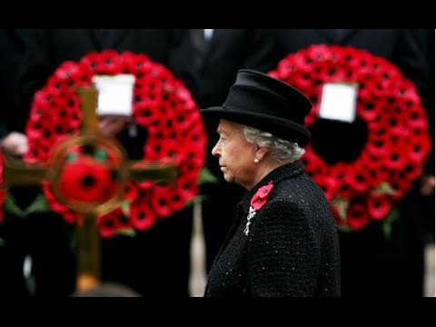 Queen leads Remembrance Day tributes at the Cenotaph