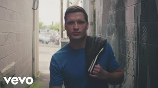 Walker Hayes - You Broke Up with Me (Official Music Video)