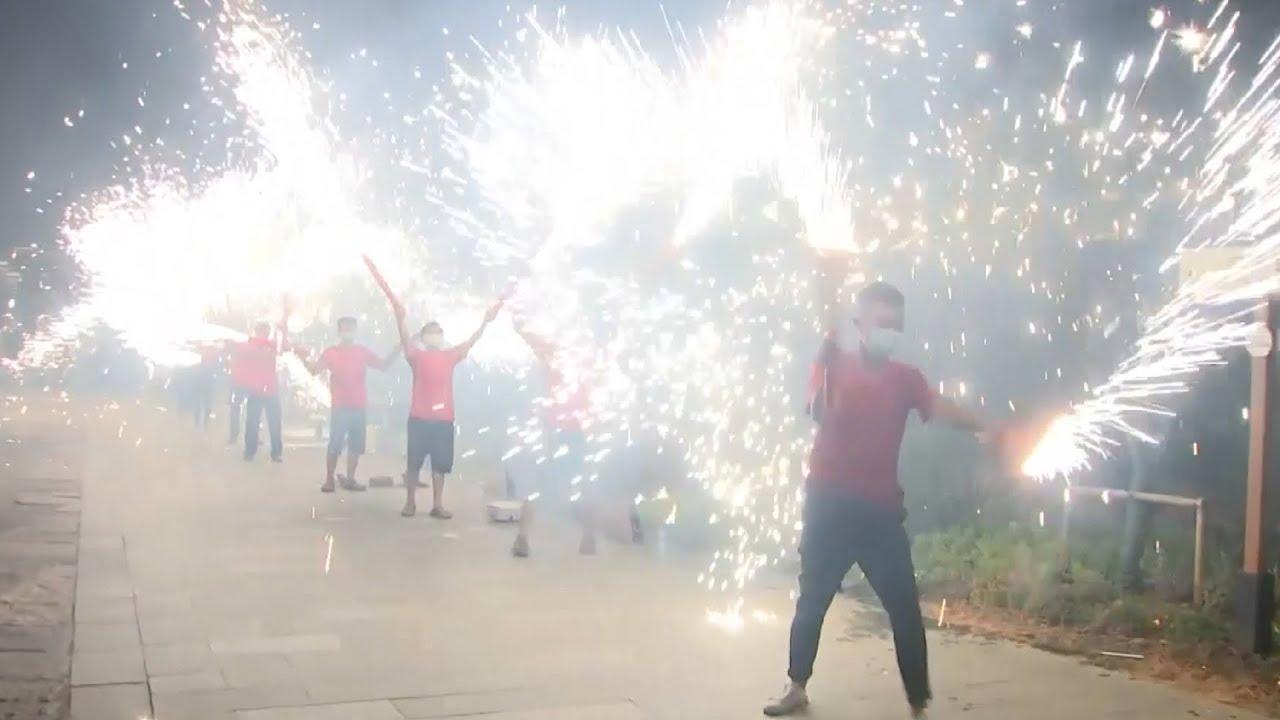 Пряники, фонарики и фейерверки: как в Китае проходит Праздник середины осени