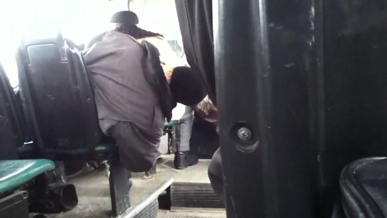 Видео лапают в автобусе ни смотря ни на что фото 167-471