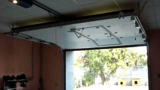 Секционные бытовые ворота с встроенной калиткой и электроприводом(, 2014-04-01T06:43:25.000Z)