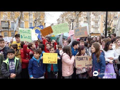 """VÍDEO: Los """"peques"""" también se manifiestan contra la emergencia climática y piden soluciones para el planeta"""