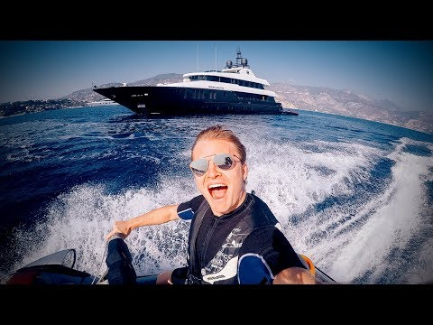 A DAY ON THE YACHT WITH FAMILY AND FRIENDS | NICO ROSBERG | VLOG