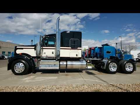 2020 Kenworth W900L 72