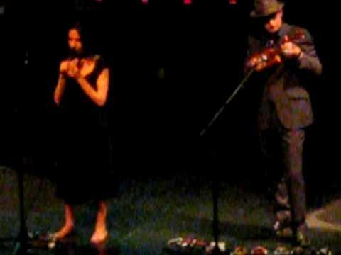 PJ Harvey & John Parish -- The Soldier (Live)