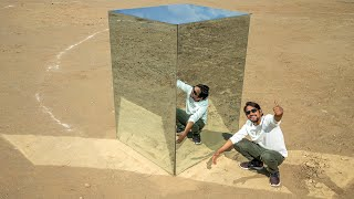 We Made Room Using Only Mirrors - World's Best Room