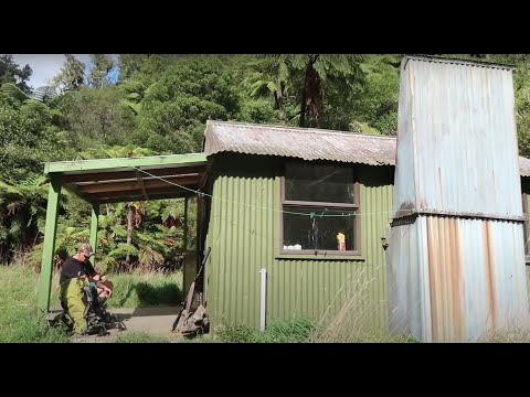 2 NIGHTS in Remote NZ Bush    APG Gas Stove   Hunting   Fish Finger Overdose