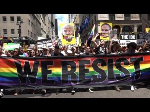 Marcha de Orgullo Gay en Nueva York marcada por rechazo a Trump