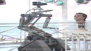 Los curiosos robots, con y sin maquillaje, de 1991