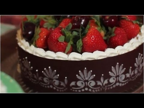 How to Make Stenciled Chocolate Cake Wraps