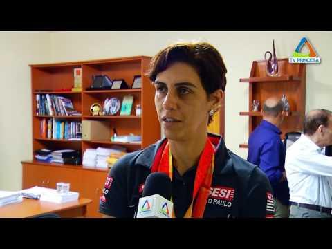 (JC 06/04/17) Prefeito recebe medalhista paralímpica e discute projetos esportivos para a cidade