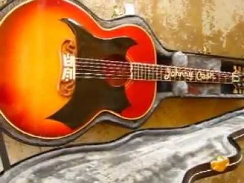 johnny cash 39 s 1959 gibson gibson j 200 guitar youtube. Black Bedroom Furniture Sets. Home Design Ideas