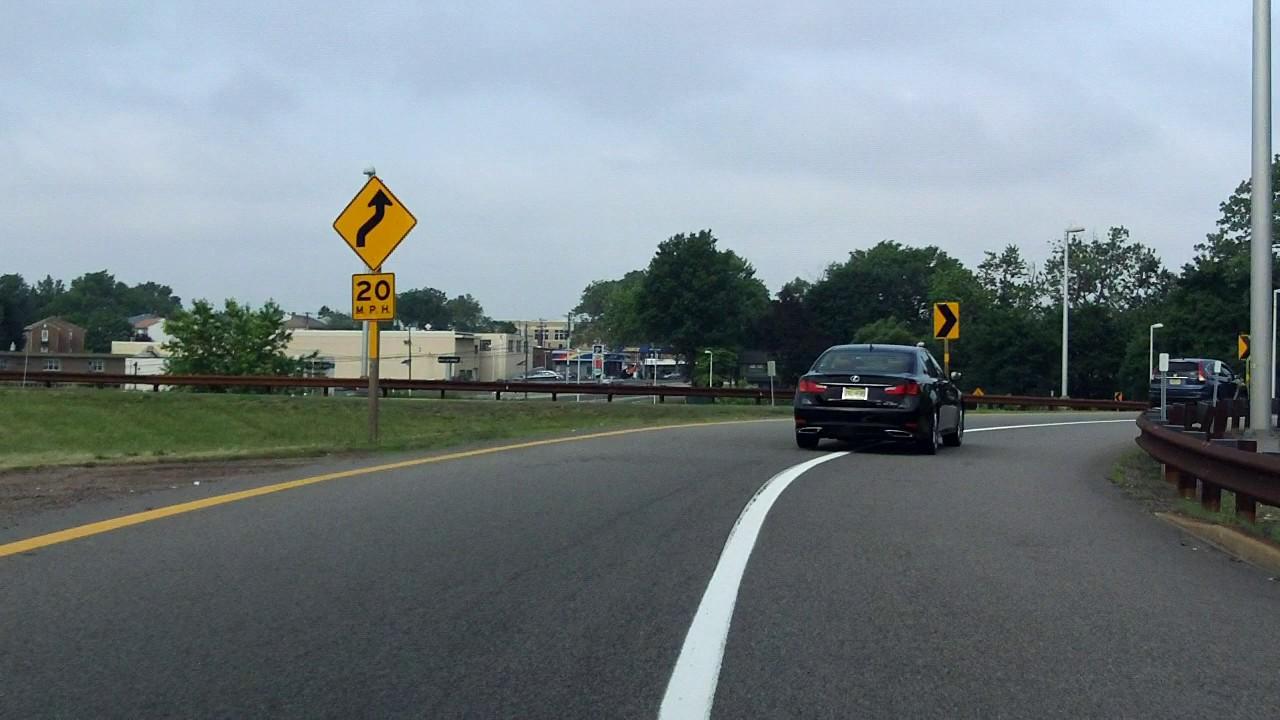 Garden State Parkway (Exit 157) southbound/inbound