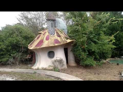 Abandoned theme park in Ga