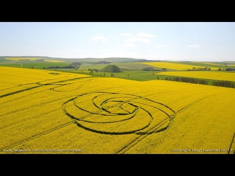 NEW Crop Circle near Avebury Stone Circle, Wiltshire, 22nd April 2017