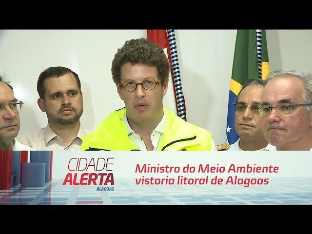 Manchas de petróleo: Ministro do Meio Ambiente vistoria litoral de Alagoas