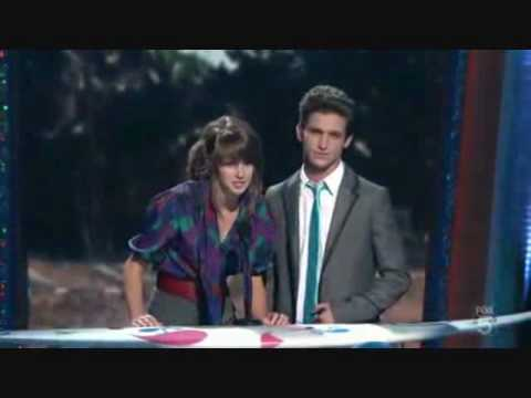 Shailene Woodley & Daren Kagasoff @ The Teen Choice Awards 09