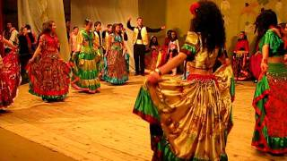 Dans tiganesc-Ansamblul Salcioara al Casei de Cultura Babadag instructori Nicoleta si Vas ...