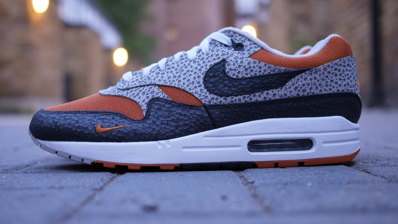 Nike x Size  Air Max 1 Safari Quick Look - YouTube 42d1ea38a