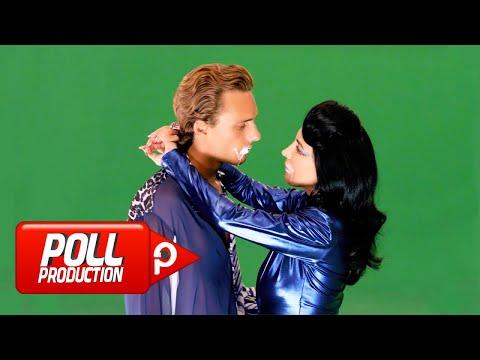 Смотреть клип Hande Yener - Krema