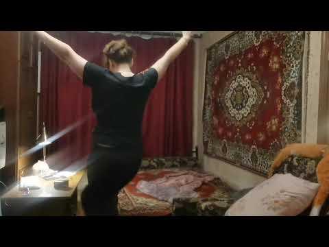 Я Инна Судакова? и уборка и пою и радуюсь открытию салона! Хейтеры снимайте обо мне! Я мать!