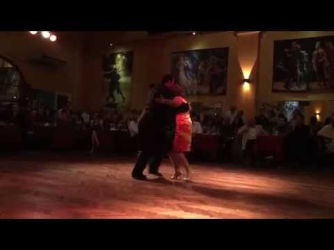Nely fernando y jose luis ferraro perform a milonga at for A puro tango salon canning