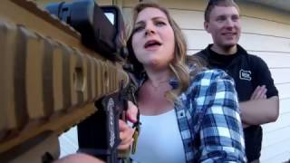 When you give a pretty blonde an AIRSOFT GUN!!-Airsoft VLOG The War Store