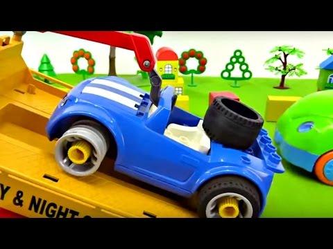 Oyuncak Arabalar - Tamirhaneye Gitmeliyiz - Çekici Yardım Ediyor