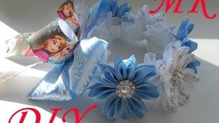 МК Украшение на пучок канзаши \ МК Резинка на пучок(гульку)\ DIY Decoration on the beam kanzashi(В этом видео уроке я покажу как сделать красивое украшение на пучок(гульку) для девочки. В этой работе я..., 2016-10-03T19:17:46.000Z)